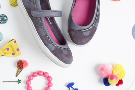 suspended children's shoes and accessories