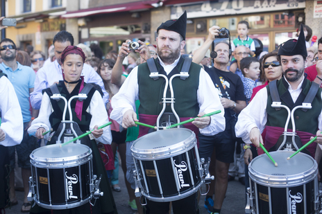 cider drums and bagpipes festival photo