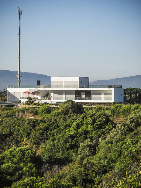Architectural photo of a modern building on a hill in Portugal