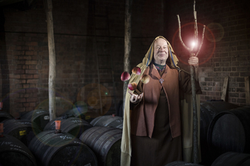 cider wizard with magic apples