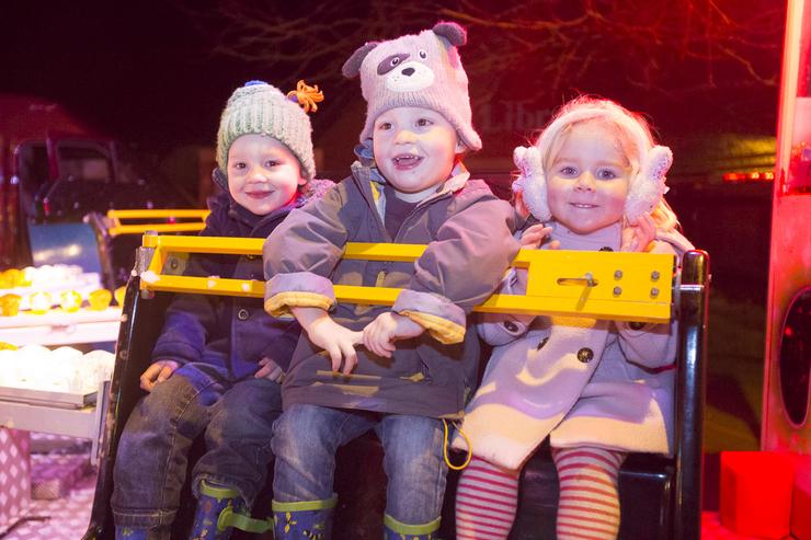 young kids enjoying a christmas ride, Somerset tourism photography